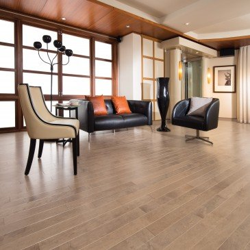 Golden Maple Hardwood flooring / Hudson Mirage Herringbone / Inspiration