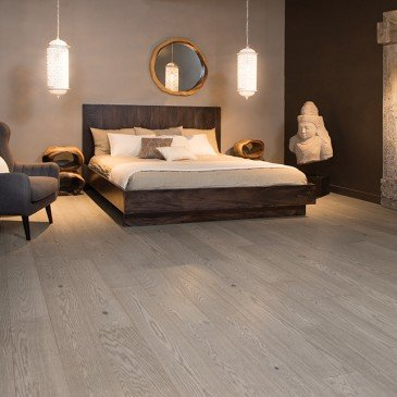 Grey Red Oak Hardwood flooring / Treasure Mirage Sweet Memories / Inspiration