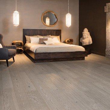 Grey Red Oak Hardwood flooring / Treasure Mirage Sweet Memories / Inspiration