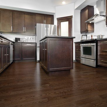 Brown Red Oak Hardwood flooring / Waterloo Mirage Admiration / Inspiration