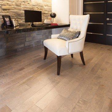 Golden Yellow Birch Hardwood flooring / Hudson Mirage Admiration / Inspiration