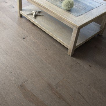 Brown Maple Hardwood flooring / Hilo Mirage DreamVille / Inspiration