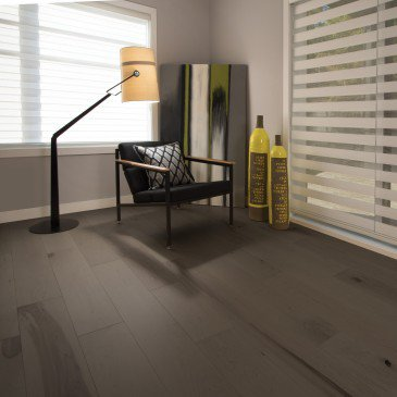 Brown Maple Hardwood flooring / Dark Leaf Mirage Flair / Inspiration