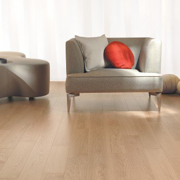 Natural Red Oak Hardwood flooring / Natural Mirage Natural / Inspiration