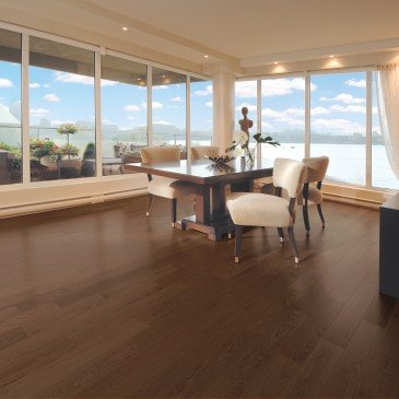 Brown Red Oak Hardwood flooring / North Hatley Mirage Admiration / Inspiration