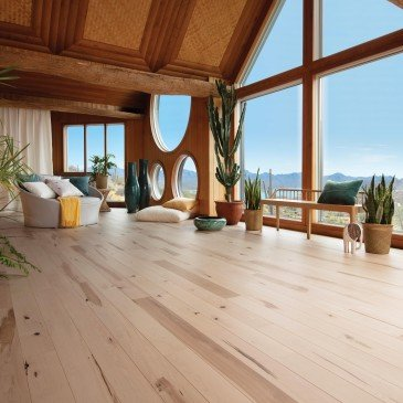 Natural Maple Hardwood flooring / Natural Mirage Natural / Inspiration