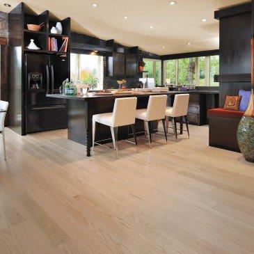 White Red Oak Hardwood flooring / Isla Mirage Admiration / Inspiration