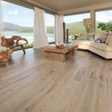 Grey Red Oak Hardwood flooring / Château Mirage Sweet Memories / Inspiration