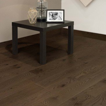 Brown Red Oak Hardwood flooring / New Haven Mirage Escape / Inspiration