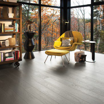 Brown White Oak Hardwood flooring / Dark Leaf Mirage Flair / Inspiration