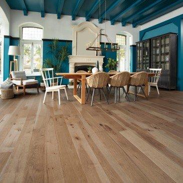Beige Hickory Hardwood flooring / Clay marbles Mirage Sweet Memories / Inspiration