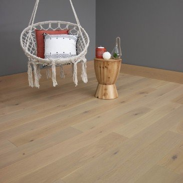 Natural Oak Hardwood flooring / Florence Mirage DreamVille / Inspiration