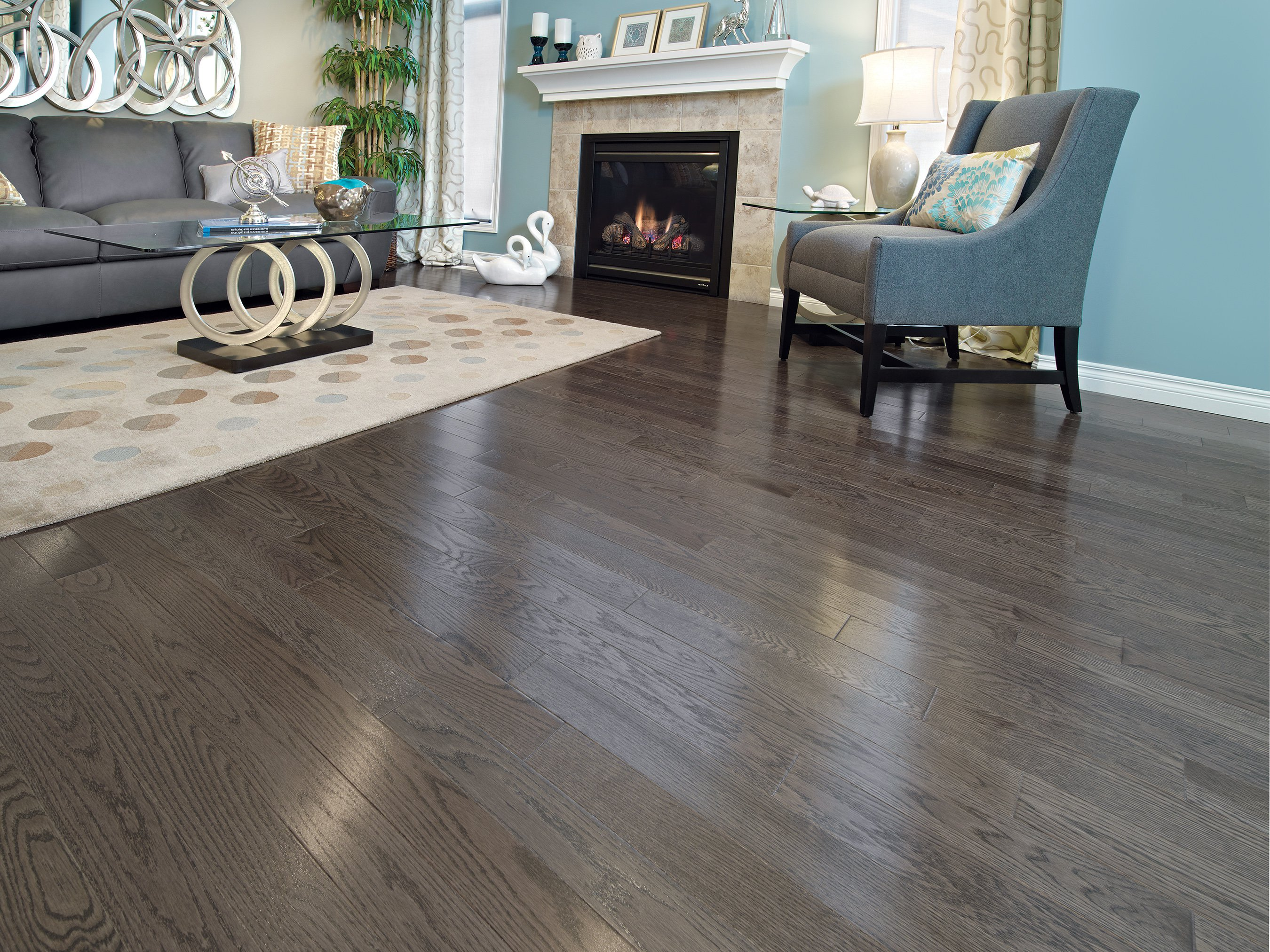 Red Oak Charcoal Exclusive Smooth - Ambience image