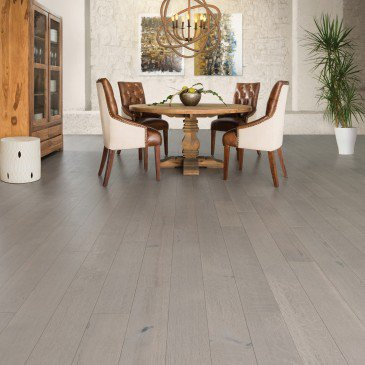 Grey White Oak Hardwood flooring / Treasure Mirage Sweet Memories / Inspiration