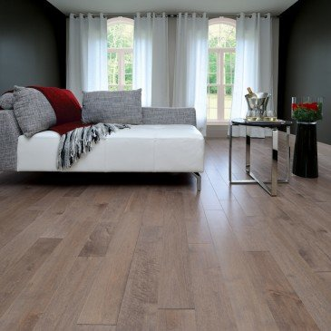 Brown Maple Hardwood flooring / Greystone Mirage Admiration / Inspiration