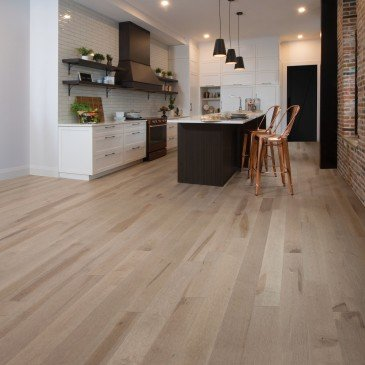Beige Maple Hardwood flooring / Rio Mirage Admiration / Inspiration