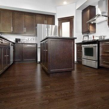 Brown Red Oak Hardwood flooring / Waterloo Mirage Admiration / Inspiration