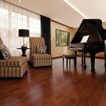 Reddish-brown Red Oak Hardwood flooring / Canyon Mirage Admiration / Inspiration