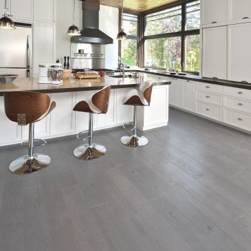 Grey Red Oak Hardwood flooring / Hopscotch Mirage Sweet Memories / Inspiration