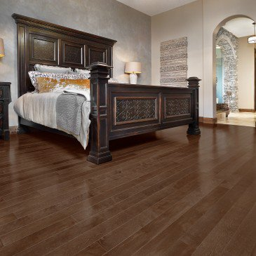 Brown Yellow Birch Hardwood flooring / North Hatley Mirage Admiration / Inspiration