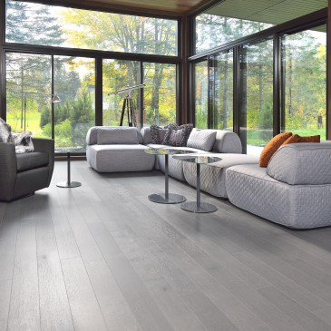 Grey White Oak Hardwood flooring / Hopscotch Mirage Sweet Memories / Inspiration