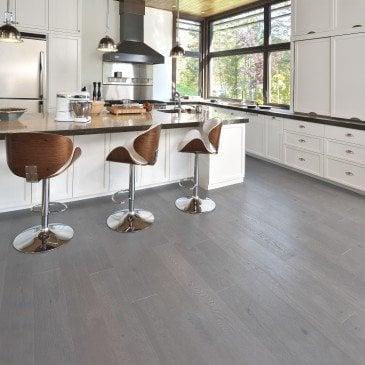 Grey Red Oak Hardwood flooring / Hopscotch Mirage Sweet Memories / Inspiration