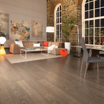 Grey Red Oak Hardwood flooring / Tree House Mirage Sweet Memories / Inspiration
