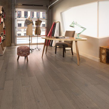 Brown White Oak Hardwood flooring / Tree House Mirage Sweet Memories / Inspiration