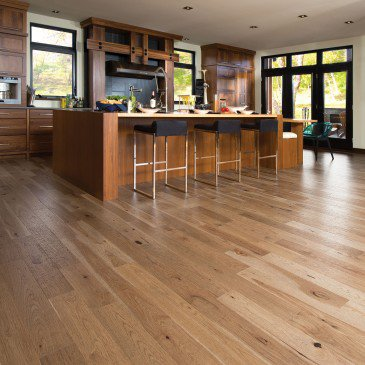 Brown Hickory Hardwood flooring / Seashell Mirage Imagine / Inspiration